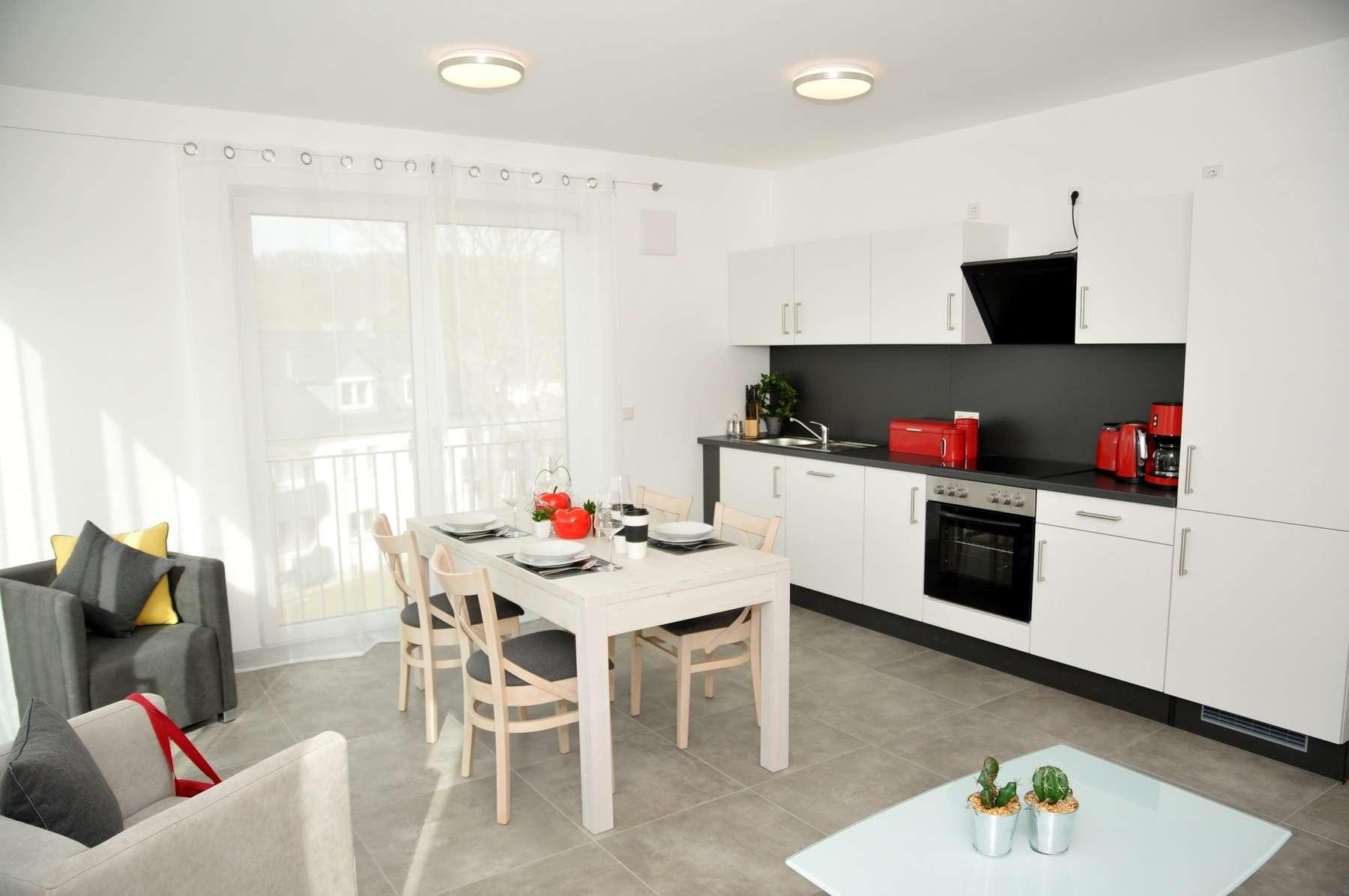 Möblierte Wohnungen - R-West - Erstbezug ca75qm mit Balkon,  WGgeeignet, Furnished appartment ! in