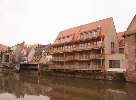 Altstadt: Wunderschöne 3-Zimmer-Wohnung, 1. OG, Laube und große Terrasse direkt an der Pegnitz