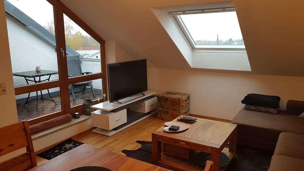 Schöne Dachgeschosswohnung | 2 ZKB | 595 € | 56 m² in Friedberg (Aichach-Friedberg)