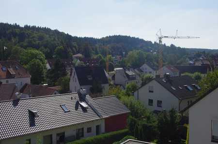 gemütliche Zweizimmerwohnung mit Ausblick über Aystetten, ideal für Einzelperson mit Platzbedarf in Aystetten