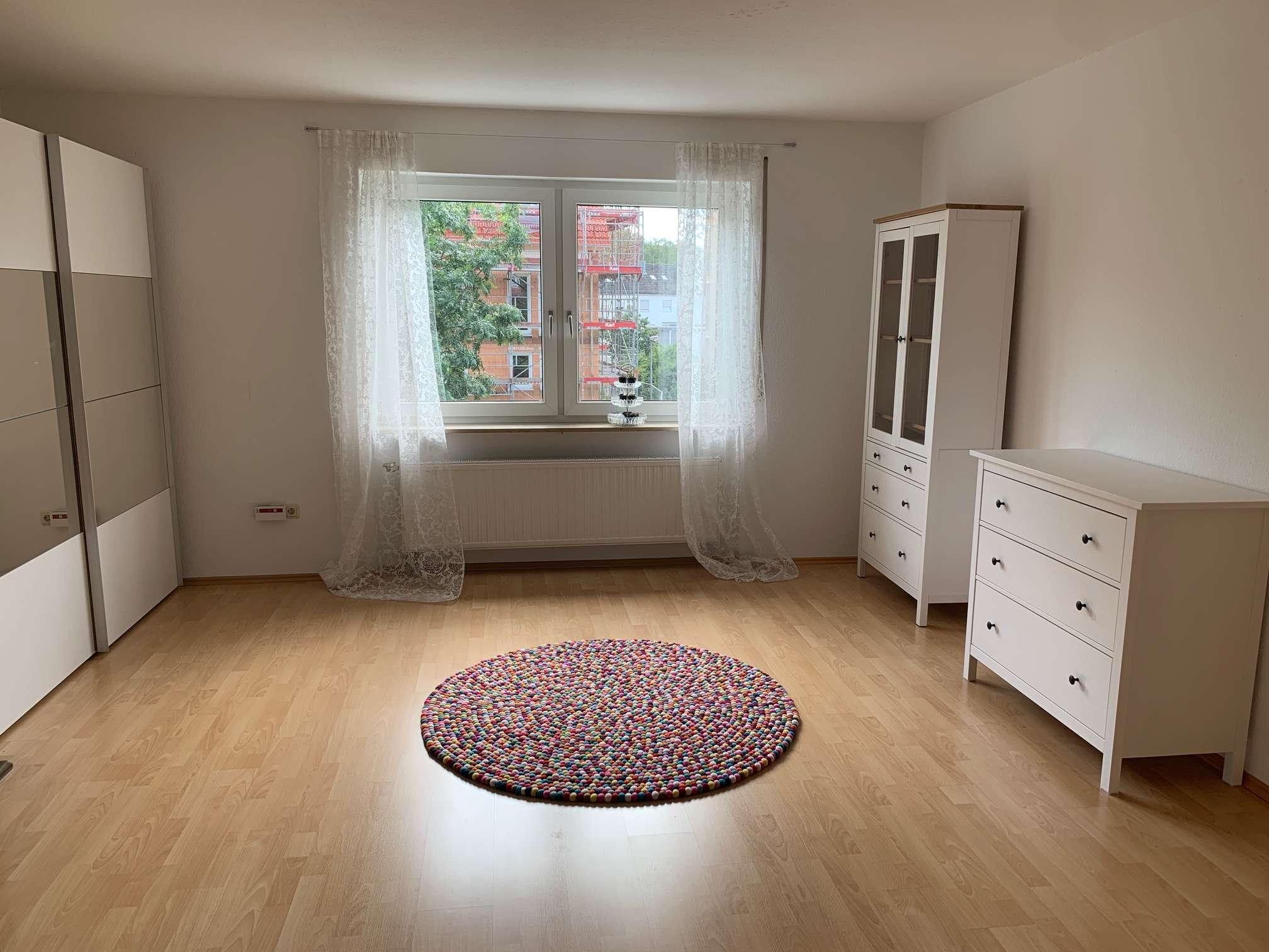 Gepflegte 5-Zimmer-Wohnung mit Balkon, Garten, und EBK in Bamberg