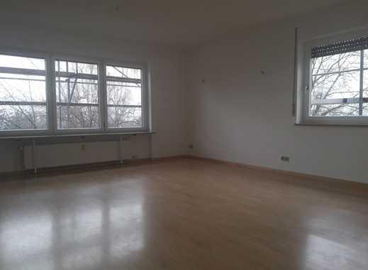 Schöne 3-Zimmer Erdgeschosswohnung mit Südbalkon, ruhige Wohnlage am Hünerberg,