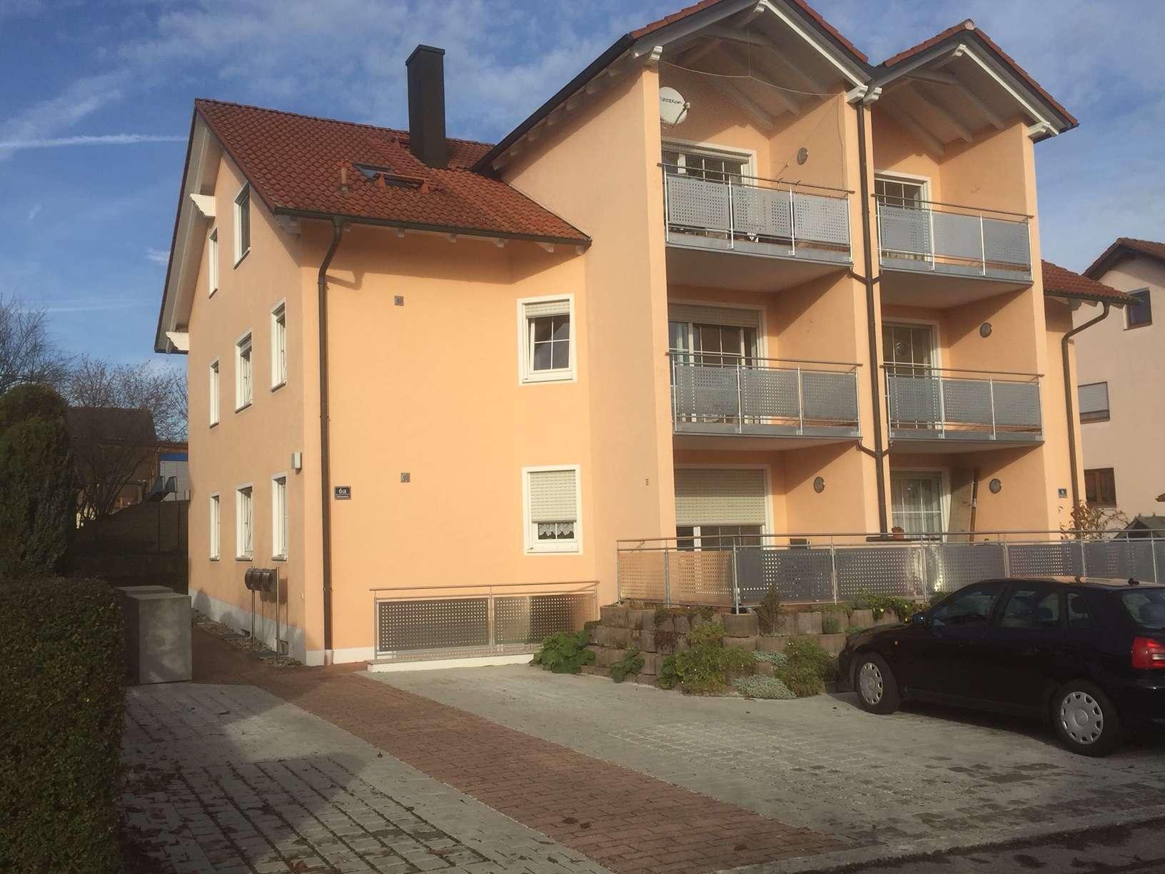helle freundliche Erdgeschosswohnung mit Terrasse in Hepberg