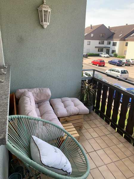 1-Zimmerwohnung/Küche mit Balkon in Estenfeld in Estenfeld
