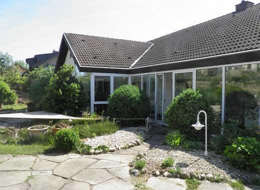 Ansprechende 5-Zimmer-Wohnung mit Balkon, Wintergarten und Einbauküche in Sinsheim/Steinsfurt