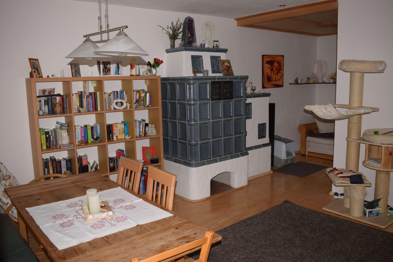 Geräumige, gepflegte 3,5-Zimmer-EG-Wohnung mit gehobener Innenausstattung in Stephanskirchen