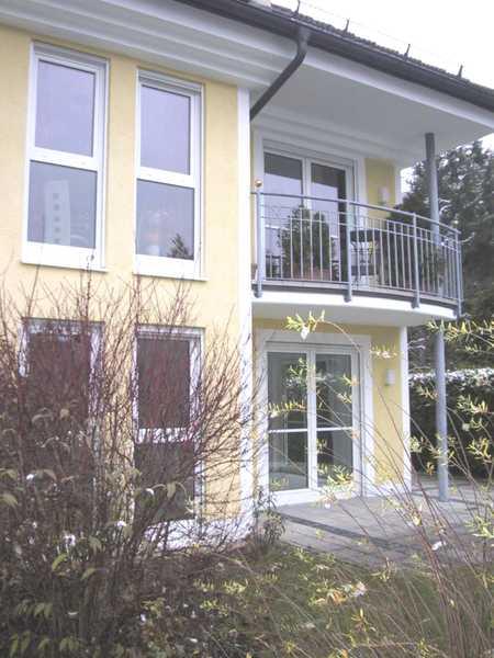 Helle 4-Zimmer Eg-Whg mit Terrasse und Souterrain in Trudering (München)