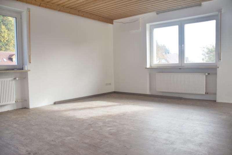 Gemütliche 4-Zimmer-Wohnung in Eugenbach in Altdorf (Landshut)