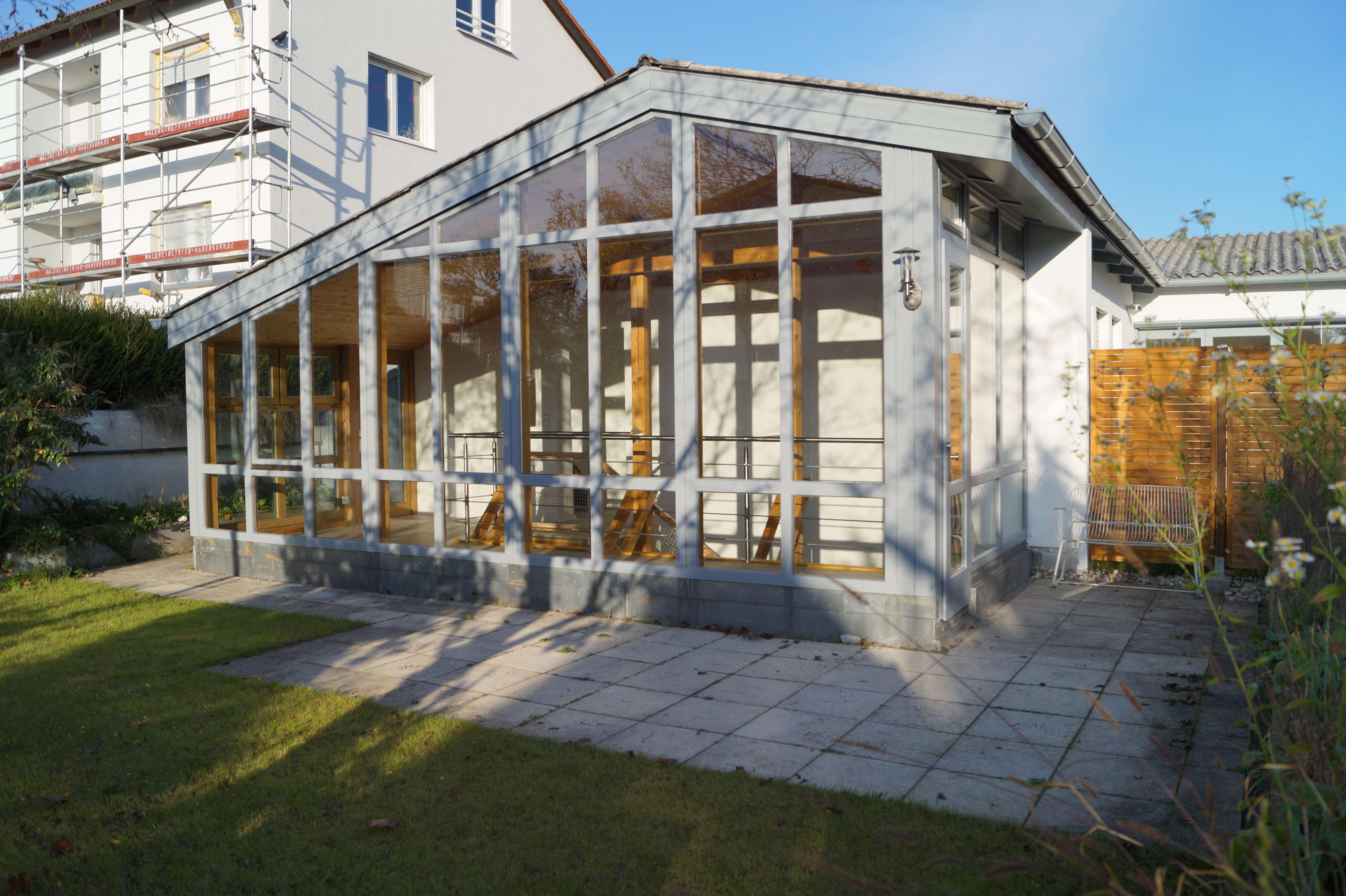 Modern renovierte 3,5 Zimmer Maisonette-Wohnung 110 m² mit Garten in Doppelhaushälfte in Germering (Fürstenfeldbruck)