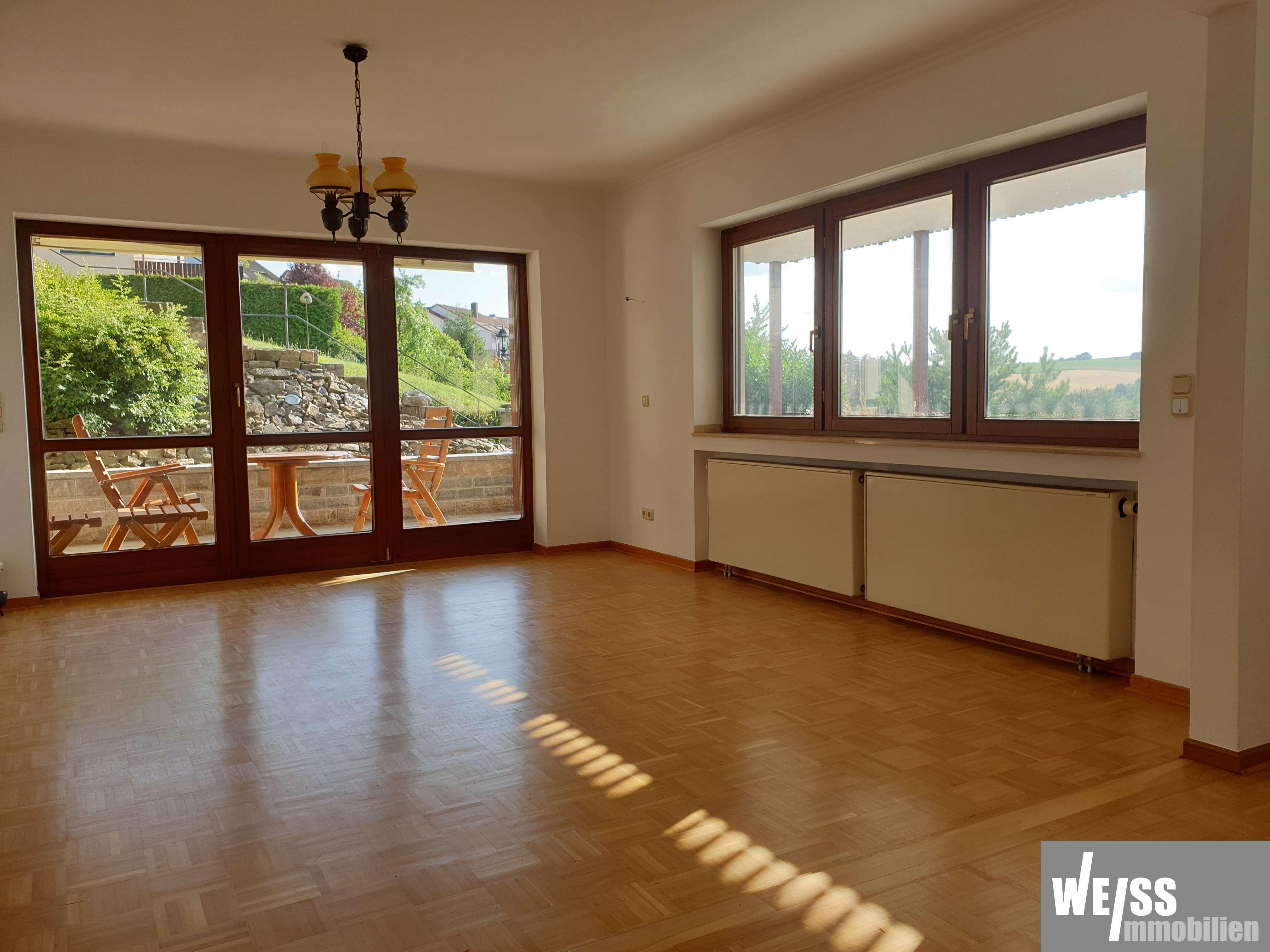 +++RUHE-POL+++ gepflegte 2 Zimmerwhg. mit Terrasse in Rimpar