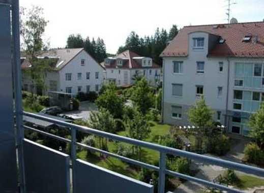 Charmante, helle 2 Zimmer Wohnung mit großem Balkon in ruhiger Lage