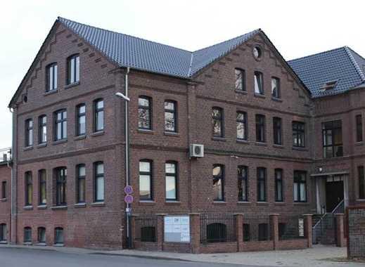 Ab sofort! 1 Büro im gehobenem Bürogebäude - Bahnhofsnah - zu vermieten (2 OG: 47qm)