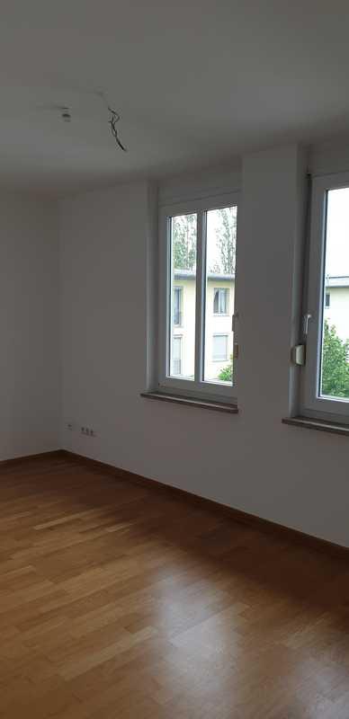 Gepflegte 4-Zimmer-Wohnung mit Balkon und Einbauküche in Obermenzing, München in Obermenzing (München)