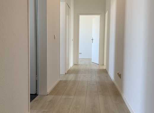 Pracht Immobilien-Top renovierte, helle 3 Zimmerwohnung mit Balkon