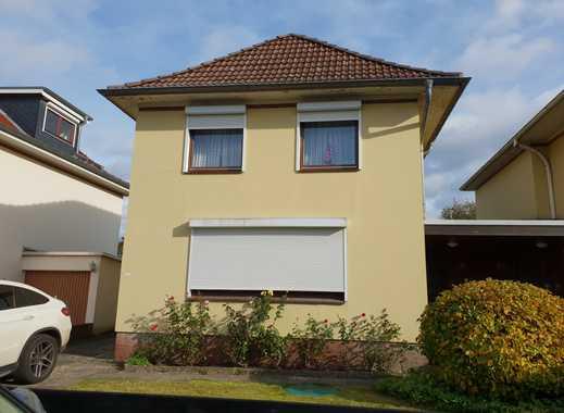 Ein- oder Zweifamilienhaus mit Garage und Garten in 22043 Hamburg-Wandsbek-Tonndorf