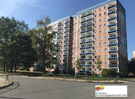 Erstbezug nach Sanierung - 2-Raumwohnung im 2.Obergeschoss mit Fahrstruhl und Balkon