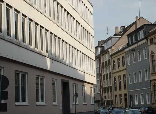 Erstbezug nach Sanierung mit Balkon: schöne 3-Zimmer-Wohnung in Düsseldorf