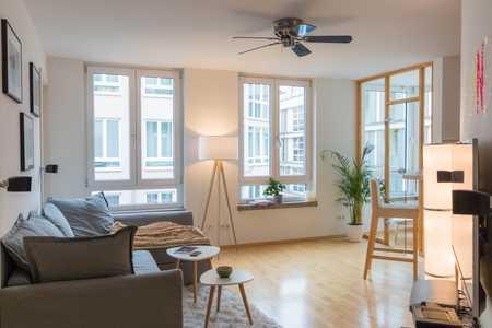 Moderner, lichtdurchfluteter, urbaner  2 1/2 Zimmer-Lebenstraum im Herzen Schwabings in Schwabing (München)