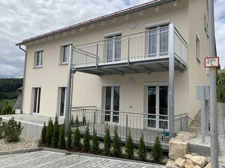 Erstbezug: exklusive 3-Zimmer-Terrassenwohnung mit EBK und 2 Terrassen in Kelheim in Kelheim