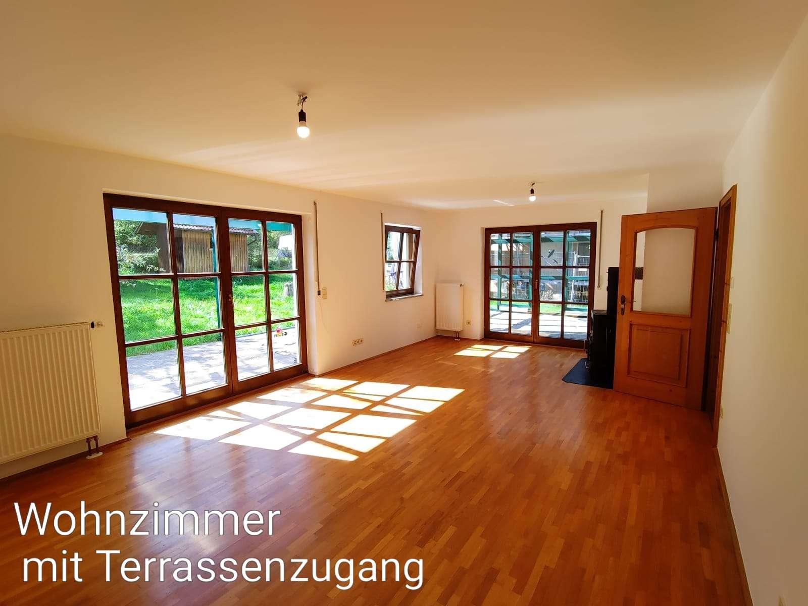 frisch sanierte 3 Zimmer-Wohnung mit Wintergarten! in Cham (Cham)