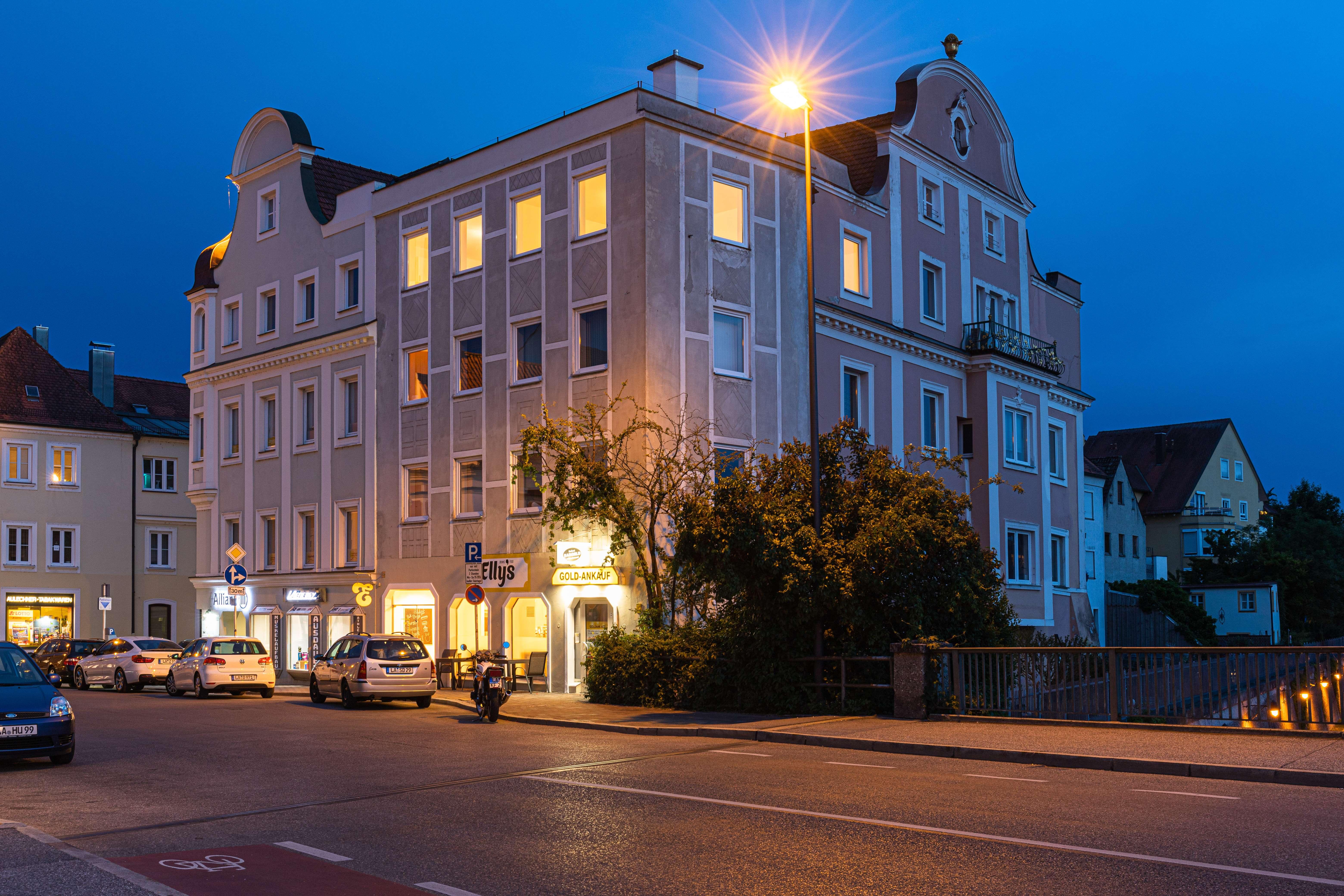 Pärchen-Wohnung/WG mit traumhaftem Ausblick und Isargarten in zentraler und ruhiger Altstadtnähe;