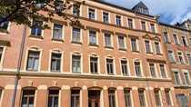 helle 2-Zimmer-Dachgeschoßwohnung EBK 100 00