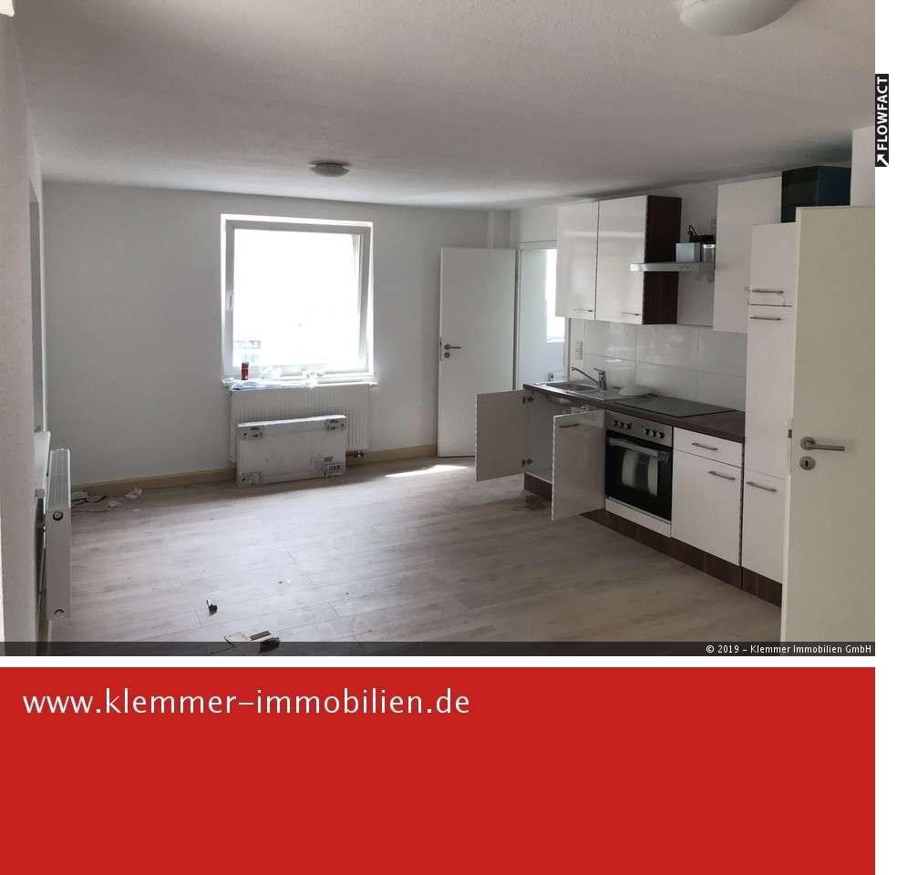Sanierte 1,5 Zimmer-Wohnung mit modernem Badezimmer und großer Terrasse
