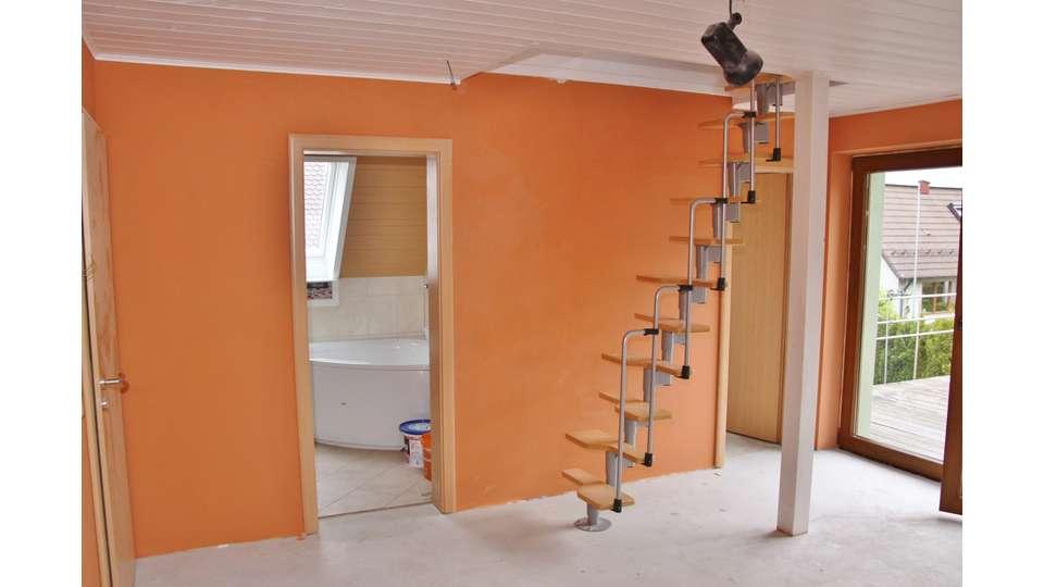 Treppe zum Dachspitz Schlafen