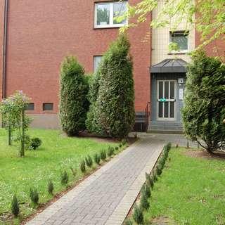 Modernisierte 2,5 Z.-Wohnung mit Balkon in ruhiger Nachbarschaft !!