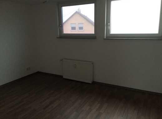 Großzügig geschnittene, schöne 2-Zimmer DG-Wohnung im gepflegten Mehrfamilienhaus in Kaisersbach