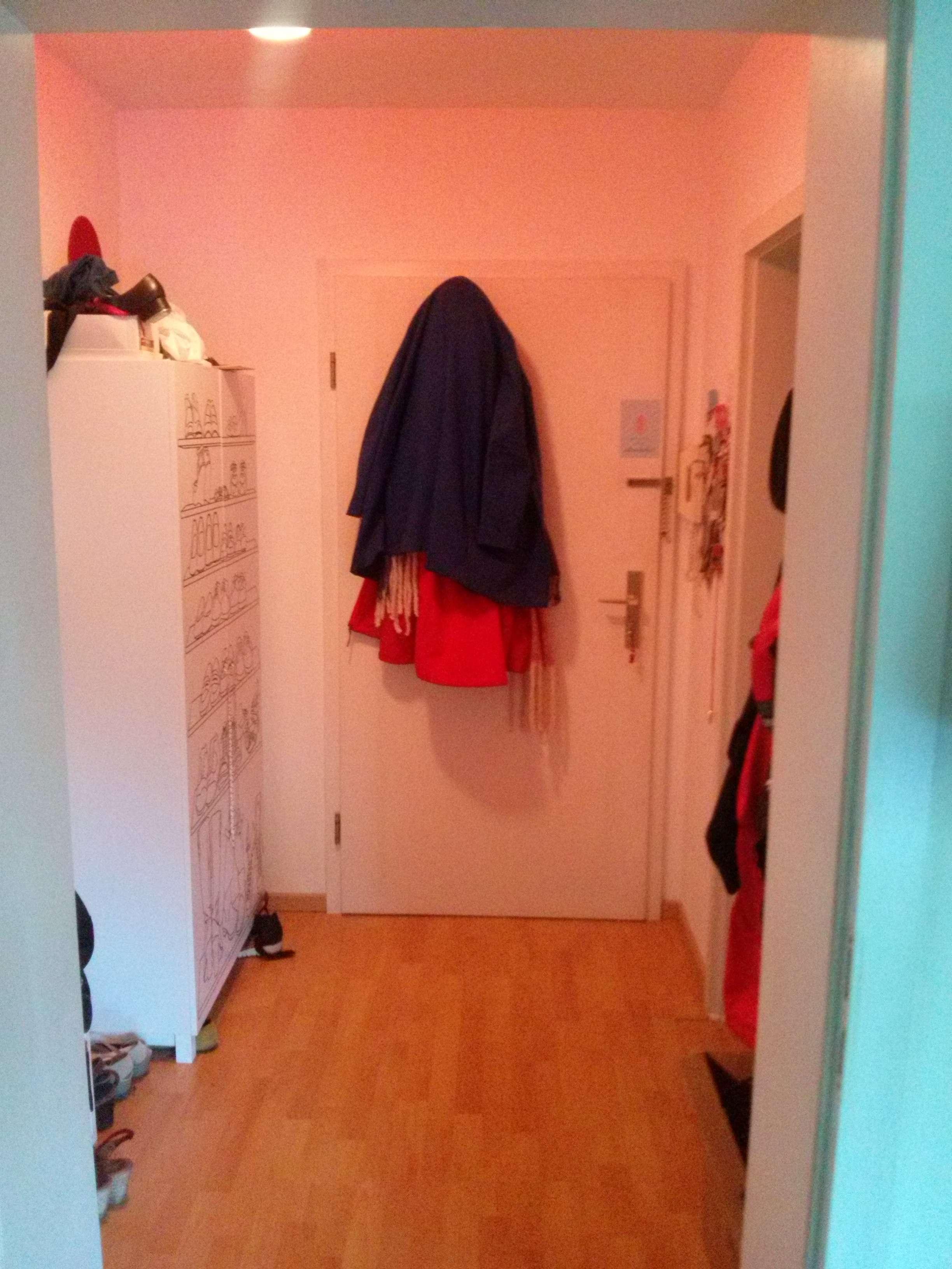 Stilvolle, gepflegte 2-Zimmer-Wohnung mit Balkon und Einbauküche in Augsburg