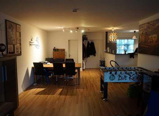 Schöne 4-Zimmer Wohnung mit Balkon in Schlebusch