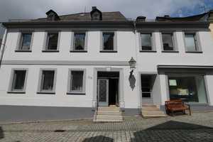 7 Zimmer Wohnung in Hof (Kreis)