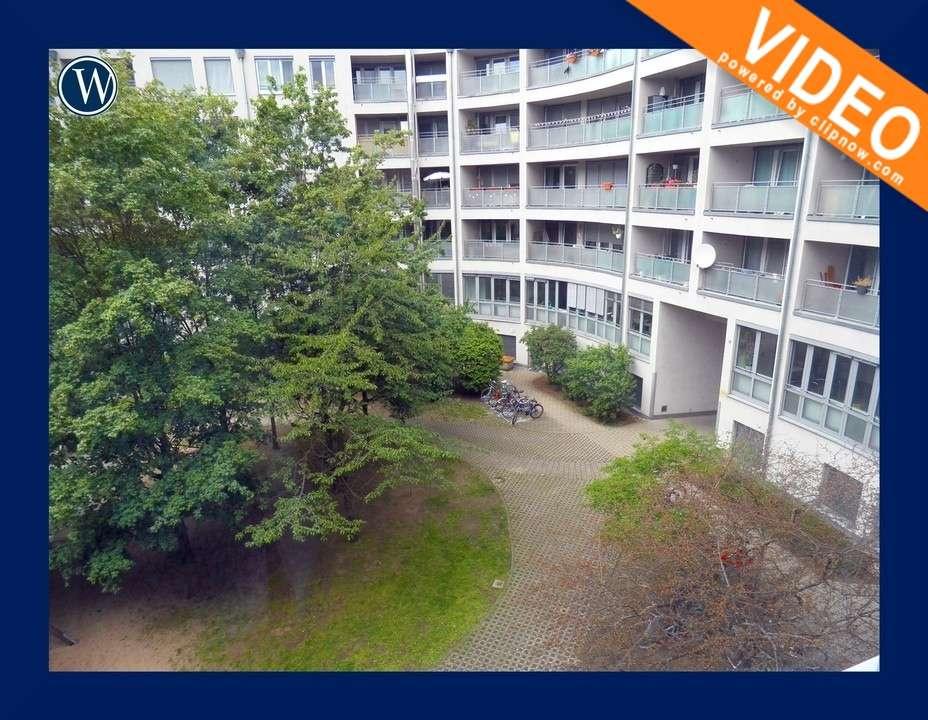 °Schön Wohnen in St. Johannis° helle 2 Zimmer mit Balkon zum Innenhof, Laminat + Einbauküche +Aufzug