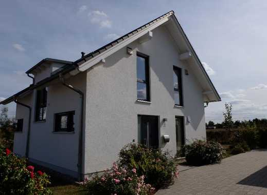 Einfamilienhaus mit 4 Zimmern und Einbauküche