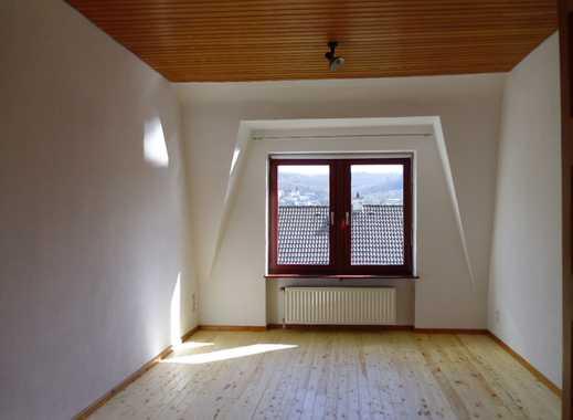 Gepflegte 7-Zimmer-Wohnung mit Balkon und EBK in Wuppertal