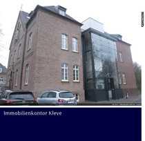 ERSTBEZUG UND ALTENGERECHT   Exclusive Maisonettewohnung mit Dachterrasse in historischen Gebäude