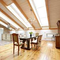 Gallery Living Außergewöhnliches lichtdurchflutetes Dachgeschoss