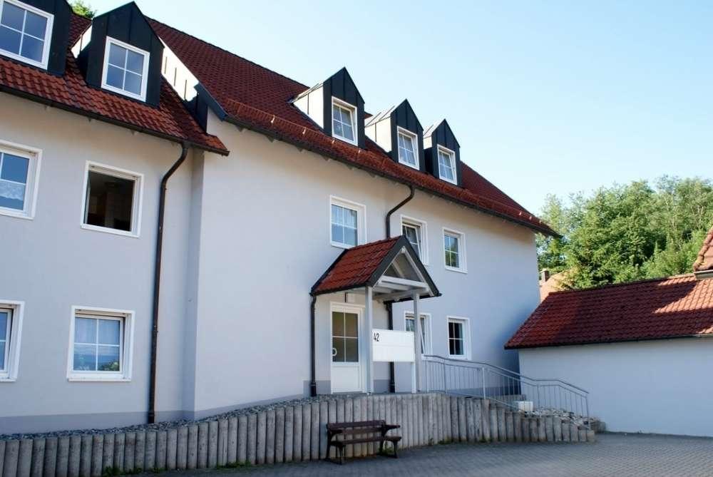 3-Zimmer-Wohnung mit Terrasse und Gartennutzung! in Himmelkron