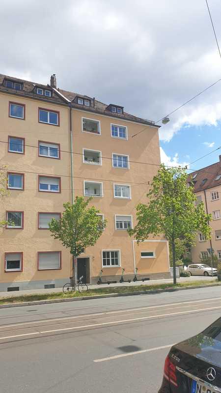 Erstbezug nach Sanierung! 4-Zimmer-Wohnung mit Loggia! in Guntherstraße (Nürnberg)