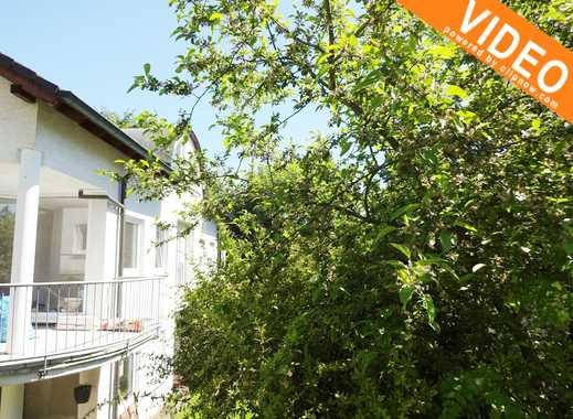 2,5 Zimmer Wohnung mit Balkon und PKW-Stellplatz zu vermieten / DG- 6 Familienhaus-