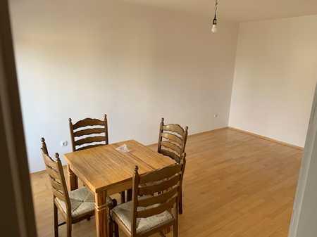 Modernisierte 1-Zimmer-Wohnung mit Balkon und Einbauküche in Trudering, München in Trudering (München)