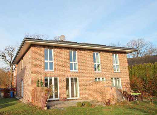 CLASSIC IMMOBILIEN: Moderne Doppelhaushälfte in zentraler Lage von Pinneberg-Thesdorf