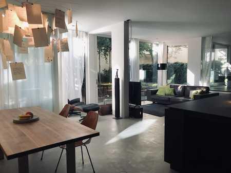 Modernes Garten-Loft als Wohnbüro an der Münchner Freiheit in Schwabing (München)
