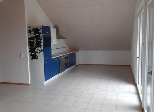 Neuwertige grossräumige 2-Zimmer-Wohnung mit Balkon und EBK in Kehl-Kork