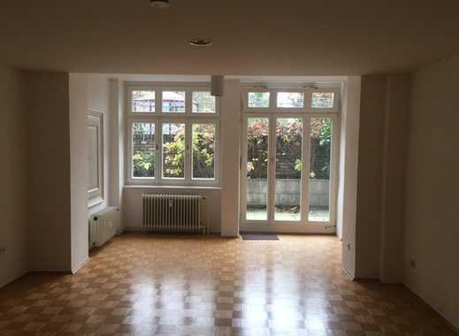 Gepflegte 2-Zimmer-Altbau-Wohnung mit Terasse und EBK in Bonn