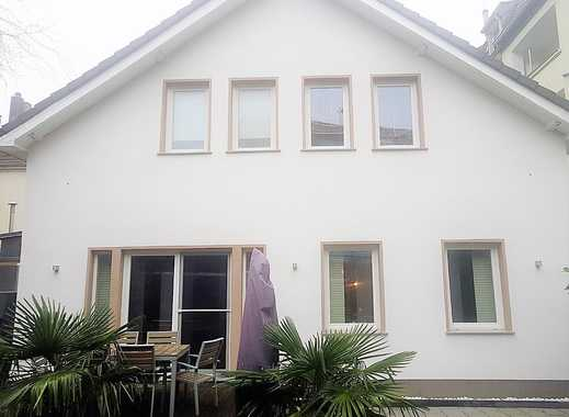 ! Einfamilienhaus kernsaniert + schicker Einliegerwohnung, Sauna und Außen-Whirlpool!