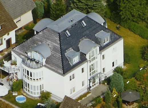 Exclusive Wohnung in Stadtvilla (Parklage)