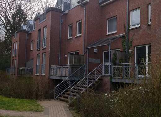 Stilvolle, modernisierte 1-Zimmer-Maisonette-Wohnung mit Balkon und EBK in Kronshagen