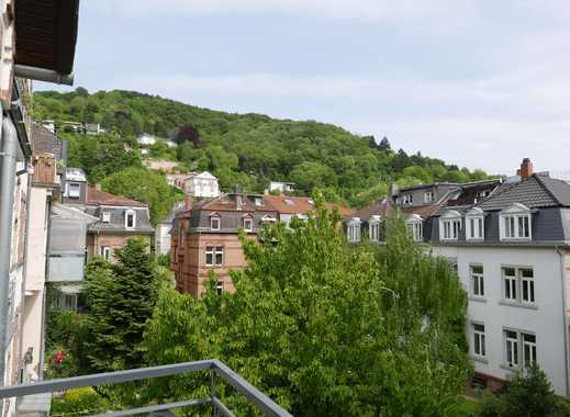 Stilvoll Wohnen in Toplage - Charmante Altbauetage mit 2 Balkonen!